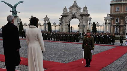 Official welcoming ceremony with military honours